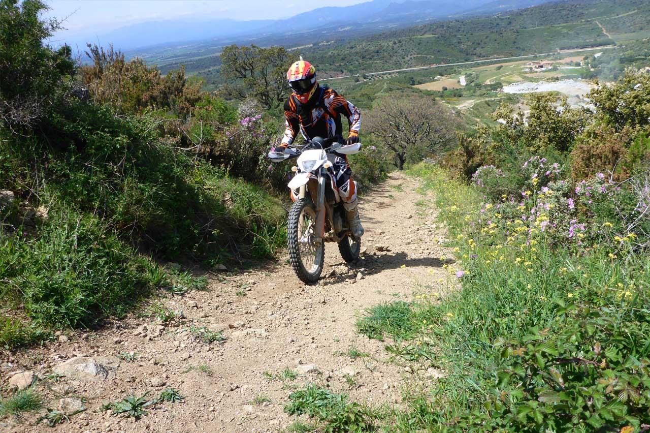 Motorradfahrer in Katalonien. ENDURO TOURS in Katalonien. Termine für Motorradreisen